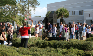 Guides lead tours through campus on Discovery Days